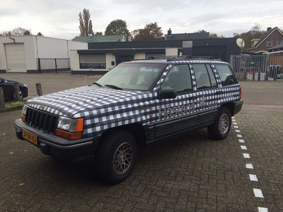 """Auto Wrap """"Hästens""""-auto"""